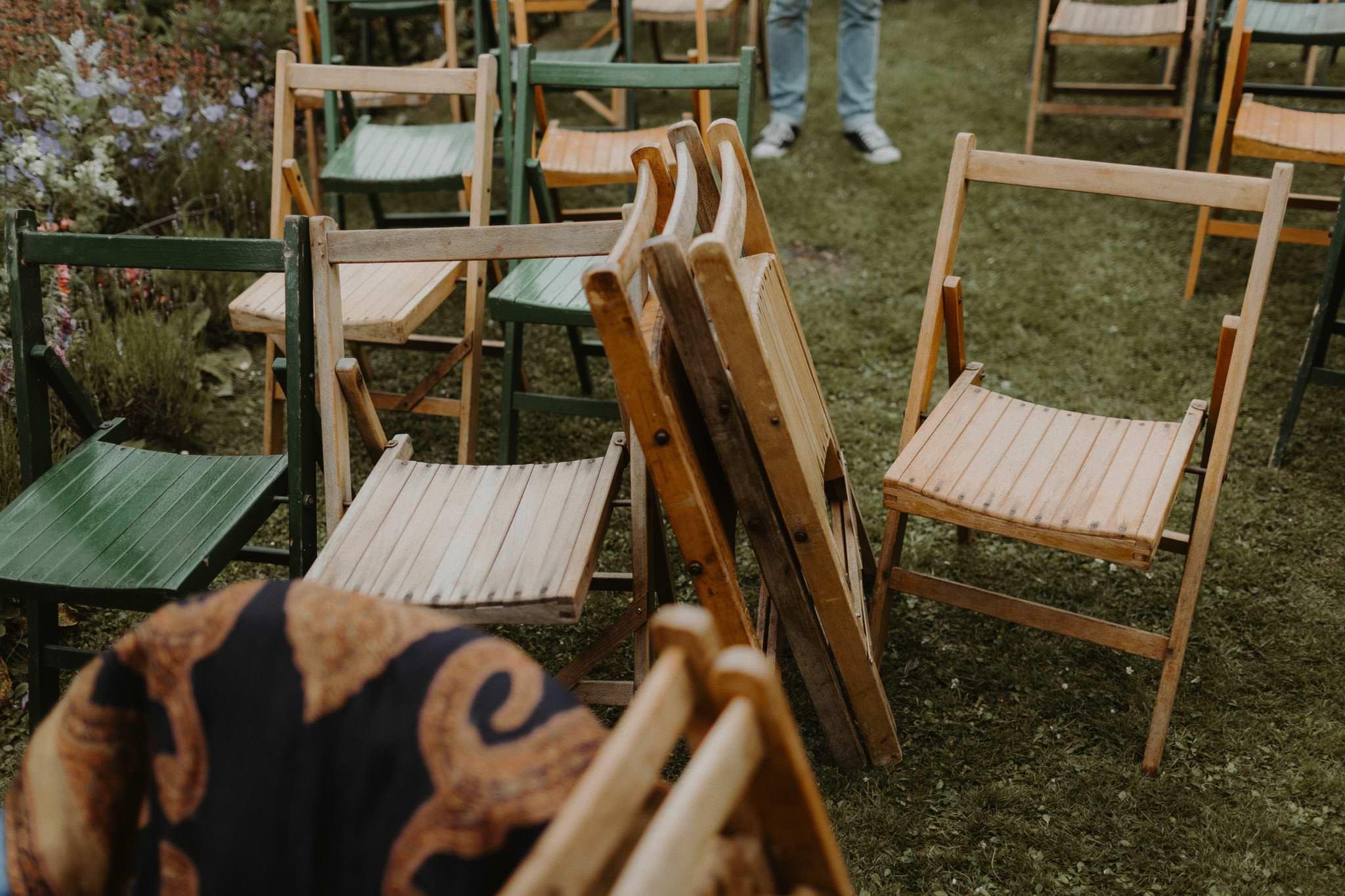 relaxed backyard wedding 006