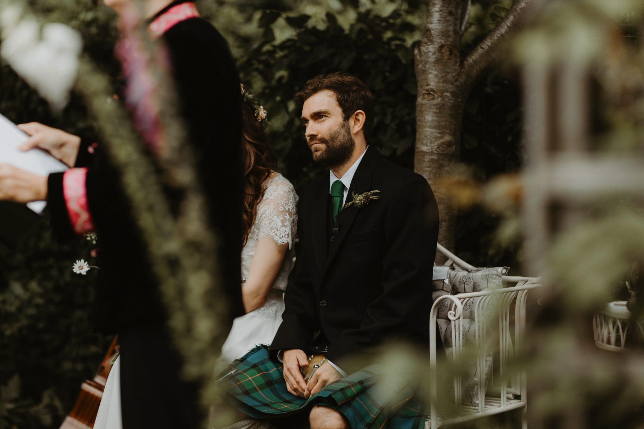 relaxed backyard wedding 067