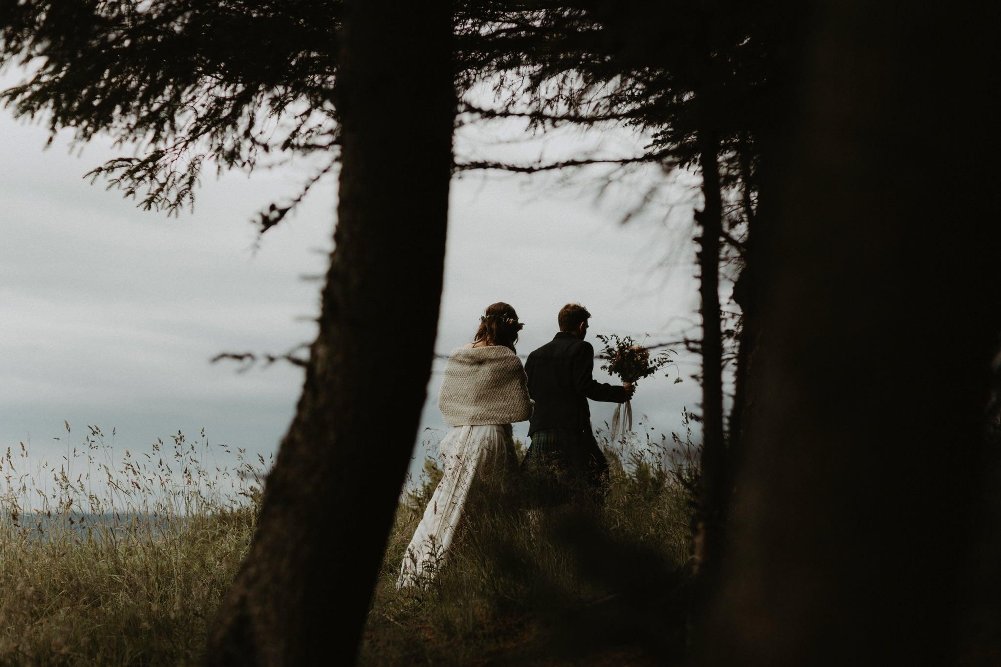 relaxed backyard wedding 117