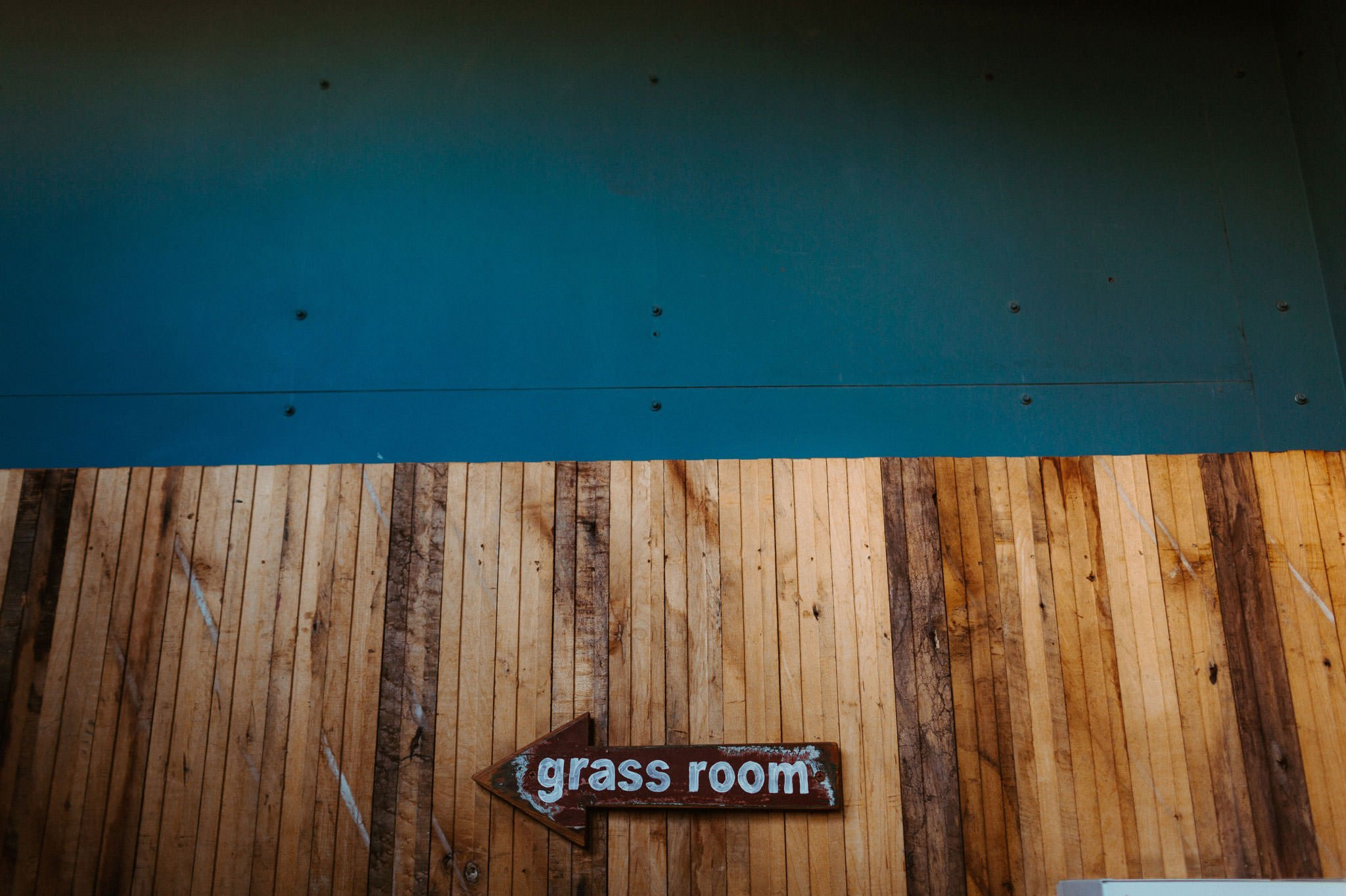 grass room wedding 036